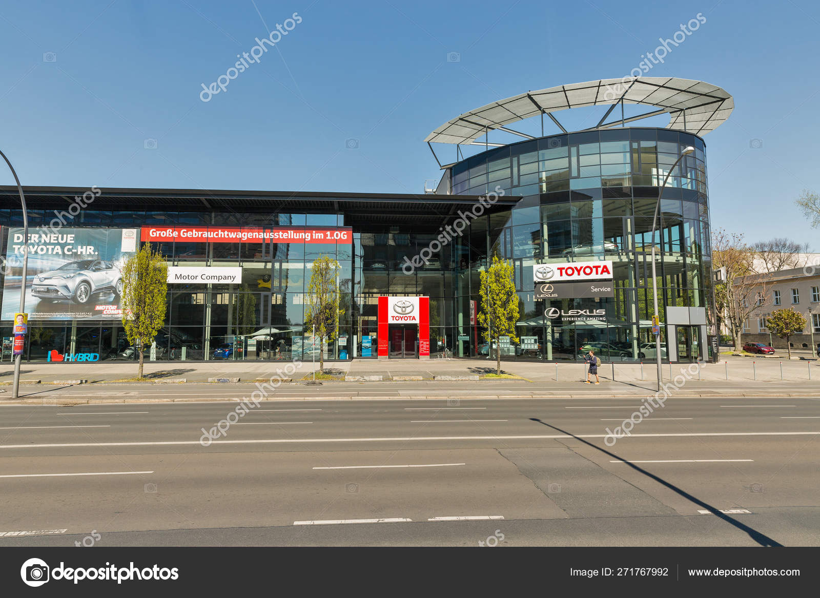 Toyota Lexus Car Showroom Exterior In Berlin Germany Stock Editorial Photo Panama7 271767992