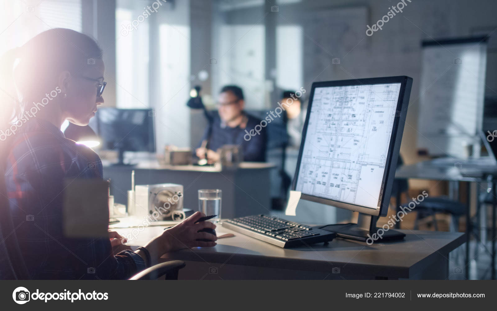 Bureau Designer Late Night Early Morning Engineering Bureau Female Designer Works