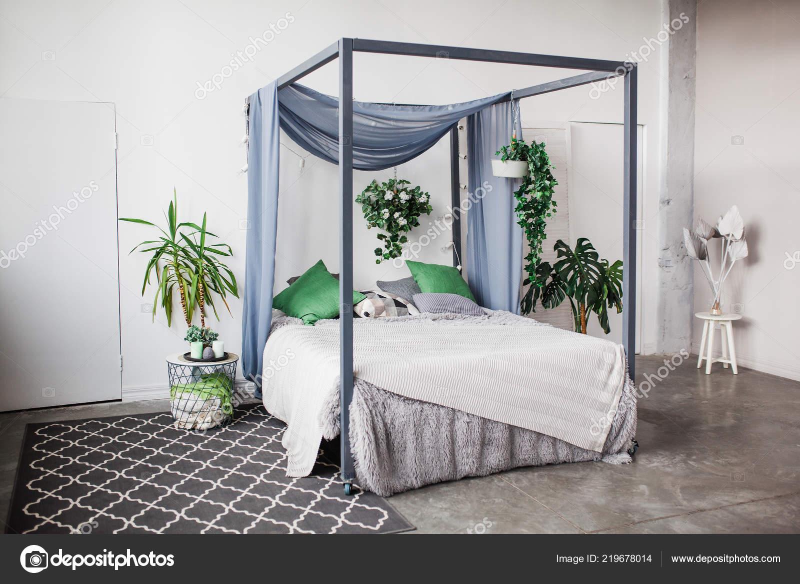 Exceptionnel Chambre Coucher Blanche Avec Des Éléments Décoration Simple Dans