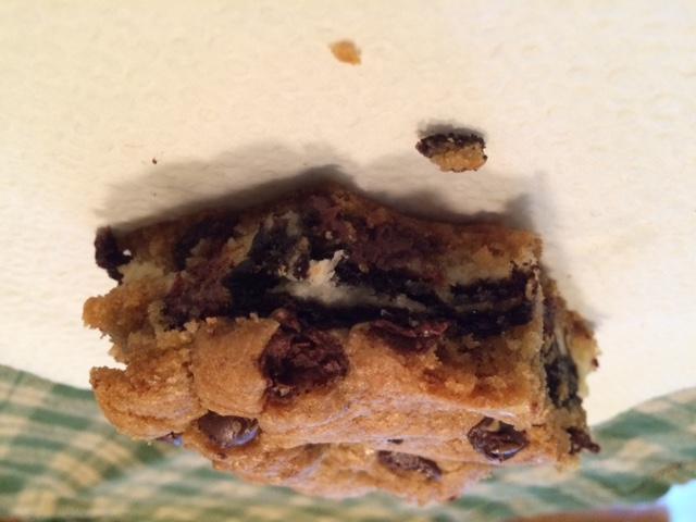 Oreo cheesecake stuffed chocolate chip cookie bars