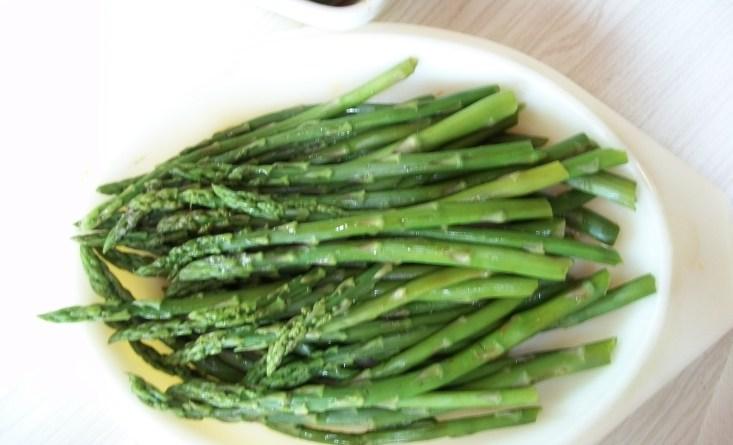 steamed-asparagus