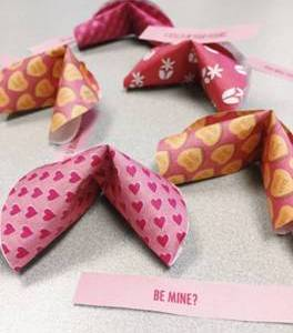 Freebie: Valentine 3D Fortune Cookie Printable