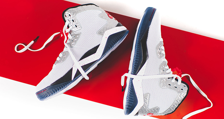 THE AIR JORDAN SPIKE 40 PE WHITE/FIRE RED IS AVAILABLE NOW