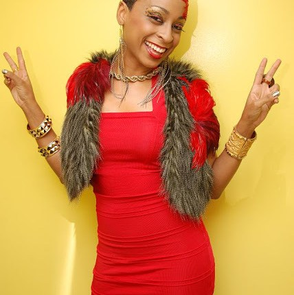 Jamaican Sensation Alaine Spotted Doing This With Comedian Churchill In Western Kenya.(pics)