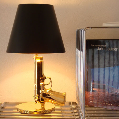 Bedside Table Gun Bedside Table Lamp In Gold With Black Lamp Shade - Flos