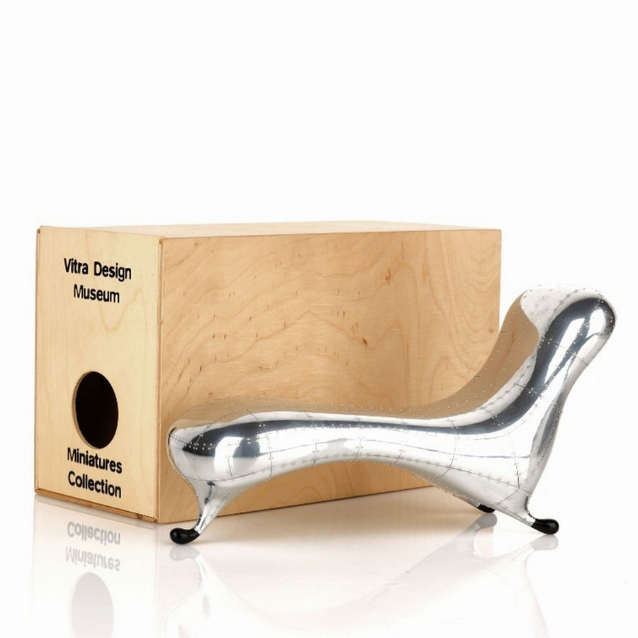 Chaise Design Miniature Vitra Miniature Lockheed Lounge Chair By Marc Newson