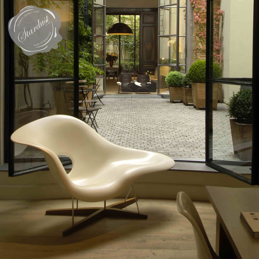 Vitra Eames Lounge Chair Vitra La Chaise Lounge Chair By Eames