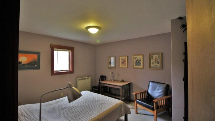 Starlight Llama Bed and Breakfast Lavender Room