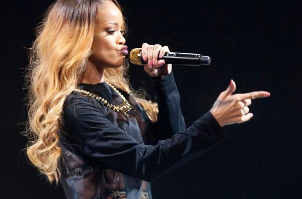 """Rihanna's """"Diamonds"""" World Tour - New York, NY"""