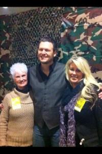 Blake Shelton & Fans