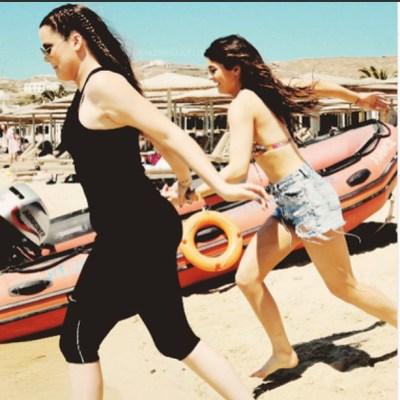 Khloe Kardashian & Kylie Jenner