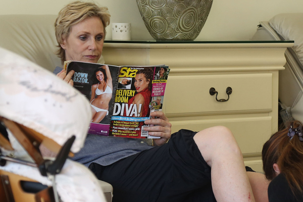 Jane Lynch picks up poop
