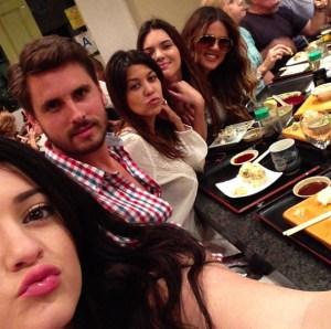 Kylie Jenner, Scott Disick, Kourtney Kardshian, Kendall Jenner & Khloe Kardashian