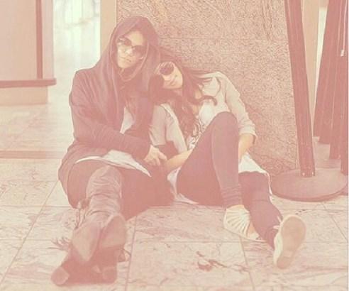 Khloe & Kim Kardashian