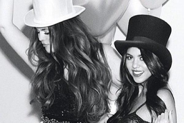 Khloe & Kourtney Kardashian