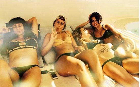 cara selena bikinis