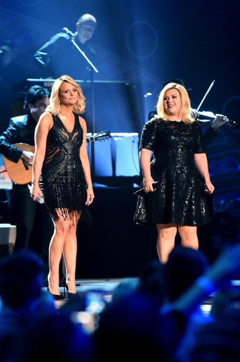 Pic kelly clarkson weight gain singer looks unrecognizable