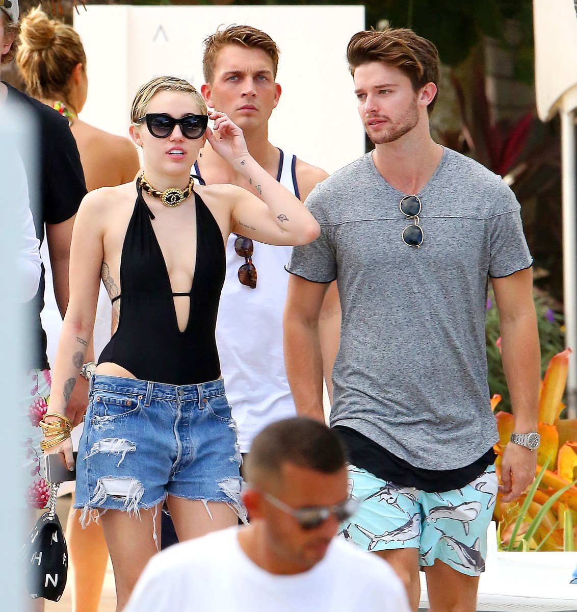 from Hudson miley cyrus nude with boyfriends