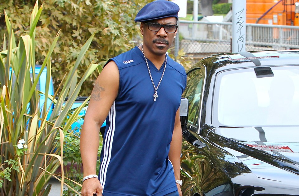 INF - Eddie Murphy and Paige Butcher go on a coffee run