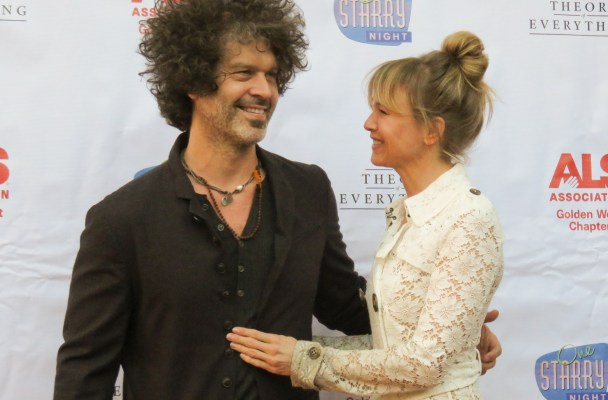 INF - Renee Zellweger & BF Doyle Bramhall Attend 'One Starry Night' Gala