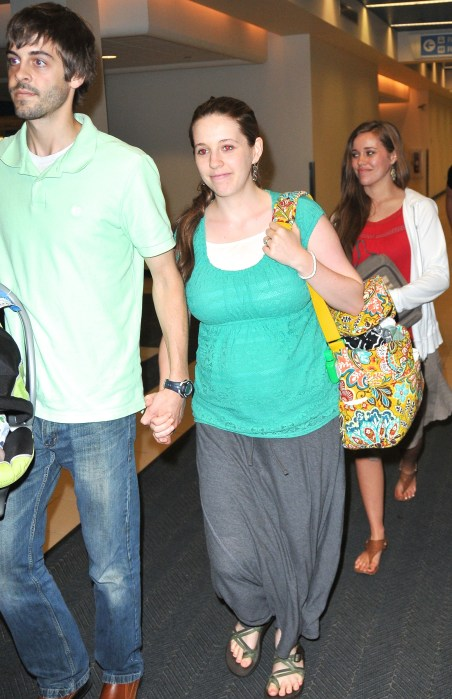 EXCLUSIVE: Jill and Jessa Duggar spotted Akron Airport withtheirhusbands