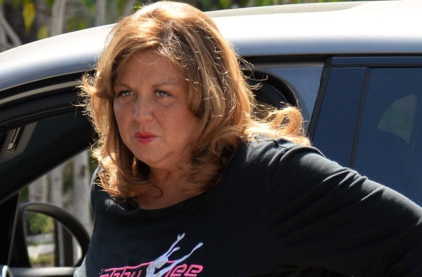 EXCLUSIVE: Abby Lee Miller the abrasive, controversial star of the hit reality show Dance Moms fixes her makeup before heading off to the dance studio to see her student in Beverly Hills, Ca  Pictured: Abby Lee Miller Ref: SPL1040218  290515   EXCLUSIVE Picture by: GoldenEye /London Entertainment  Splash News and Pictures Los Angeles:	310-821-2666 New York:	212-619-2666 London:	870-934-2666 photodesk@splashnews.com