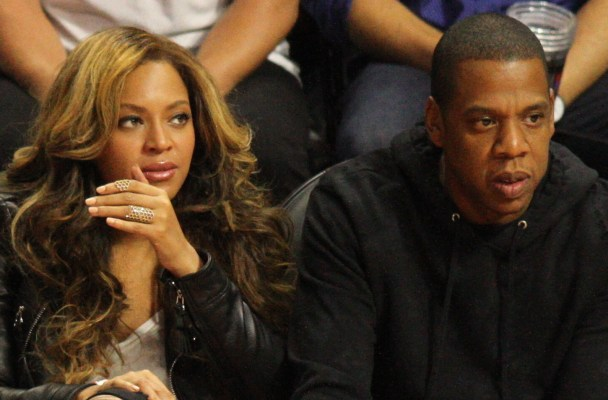 Beyonce and Jay-Z are courtside at the Los Angeles Clippers Vs Brooklyn Nets Basketball game at the Staples Center in Los Angeles, CA.  Pictured: Beyonce and Jay-Z Ref: SPL930168  230115   Picture by: London Entertainment /Splash  Splash News and Pictures Los Angeles:	310-821-2666 New York:	212-619-2666 London:	870-934-2666 photodesk@splashnews.com