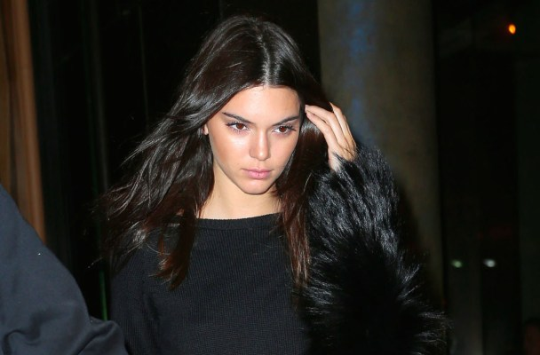 Kendall Jenner bears her midriff when going to dinner with Kim, Khloe, Kourtney, Kylie at il Mulino in NYC  Pictured: Kendall Jenner Ref: SPL1125359  130915   Picture by: XactpiX/Splash  Splash News and Pictures Los Angeles:	310-821-2666 New York:	212-619-2666 London:	870-934-2666 photodesk@splashnews.com