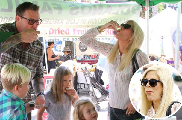 tori-spelling-farmers-market-photos-feature