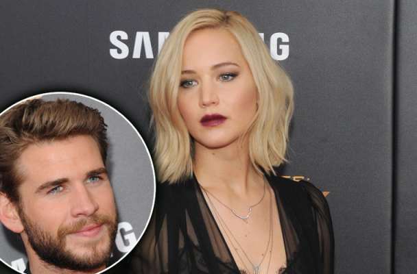 liam hemsworth jennifer lawrence kiss wwhl