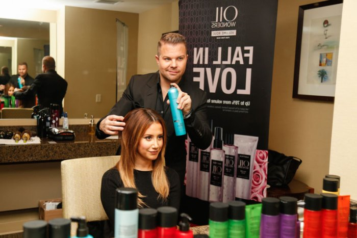 Ashley-Tisdale-Getting-Styled-by-Matrix-SOCOLOR-Stylist,-Nick-Stenson