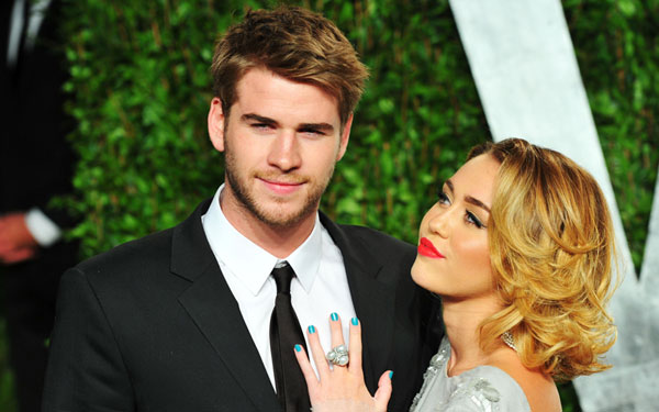 miley cyrus dating liam hemsworth back together skips performance