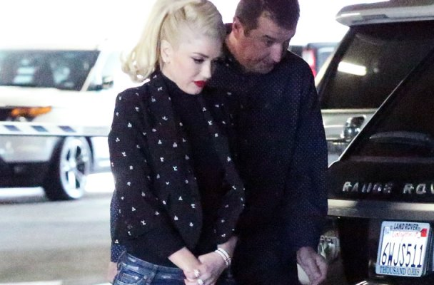 gwen-stefani-pregnant-spotted-leaving-hospital-07