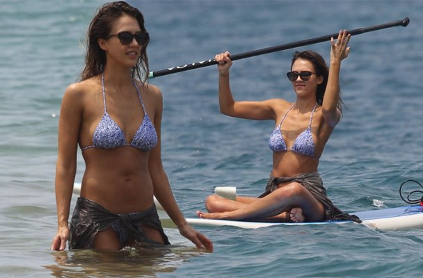 jessica alba topless bikini hawaii pics