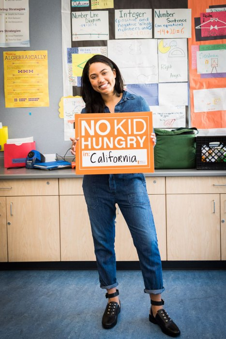 Ayesha Curry visits-West-Oakland-School-with-No-Kid-Hungry-