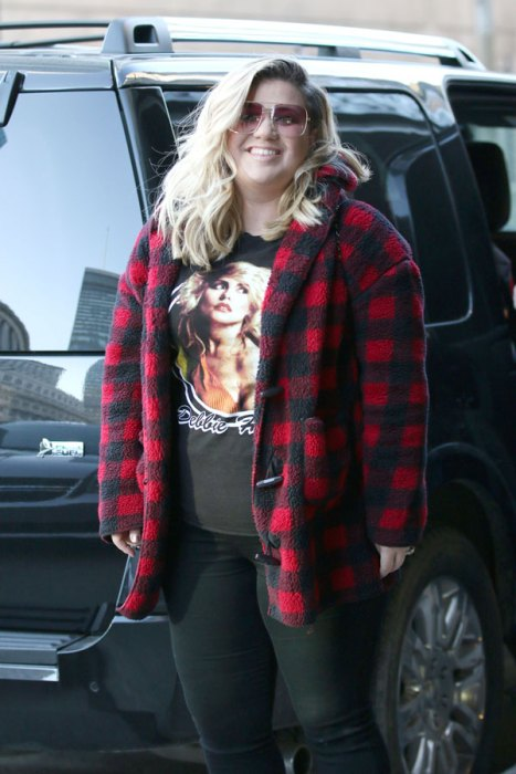 kelly-clarkson-baby-boy-son-first-pic-02