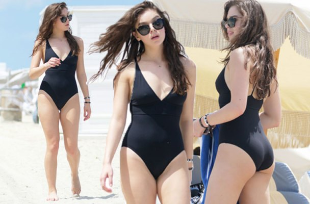 hailee steinfeld butt on piece beach pics