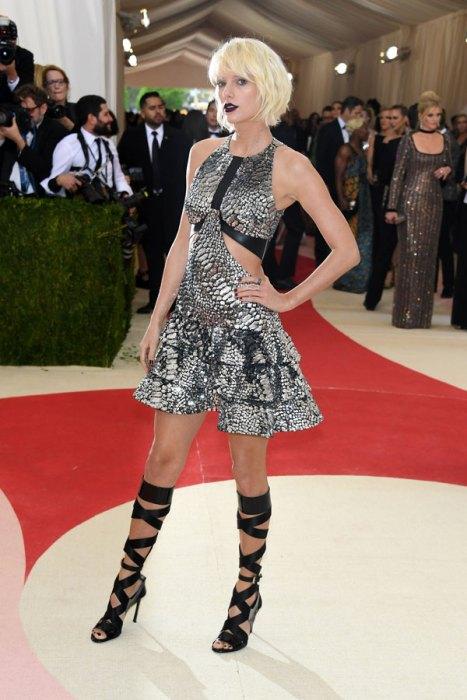 met-gala-2016-red-carpet-fashion-best-worst-pics-11