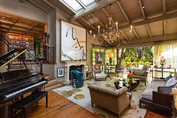 The gallery for jennifer lopez house inside for Jennifer lopez house address