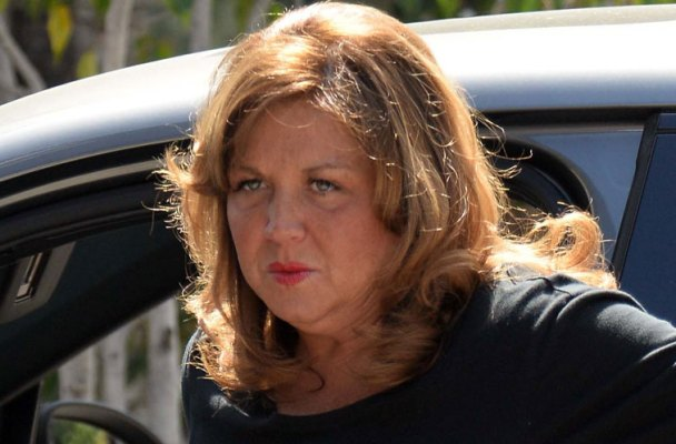 dance-moms-abby-lee-miller-pleads-guilty-bankruptcy-fraud-facing-jail-time-06
