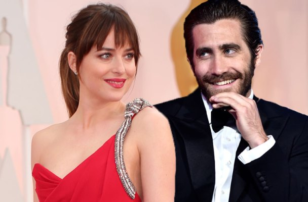 jake gyllenhaal wants dakota johnson back