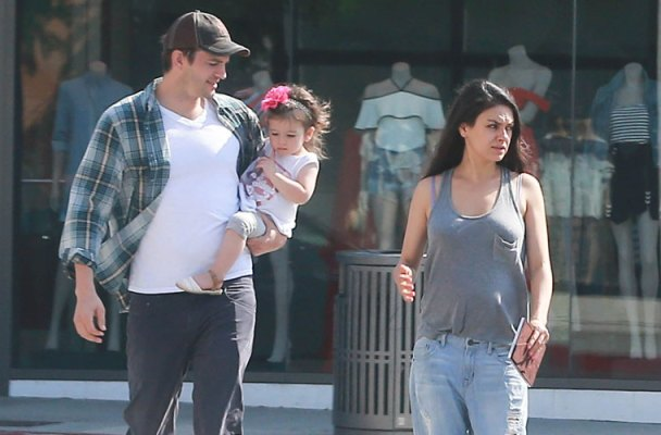 mila kunis pregnant baby bump out with ashton kutcher daughter wyatt isabelle kutcher pics