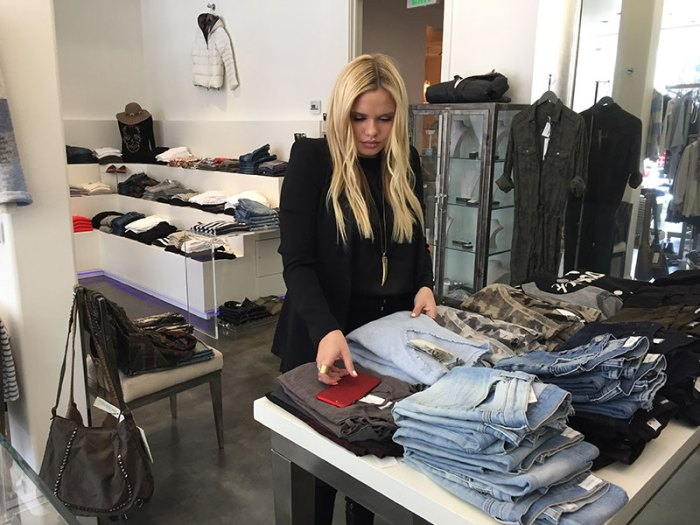 alli-simpson-spotted-at-glamboutique-on-melrose-in-los-angeles