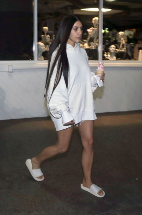 kim-kardashian-first-photos-paris-robbery-froyo-thinner-pics-5