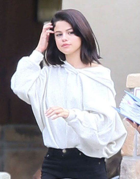 selena-gomez-rehab-depression-smoking-tennessee-03