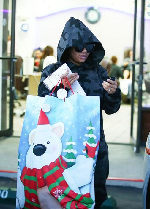rob-kardashian-blac-chyna-christmas-diss-pics-1