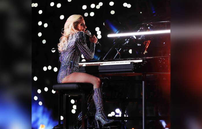 Lady-Gaga---Matrix---Zoom
