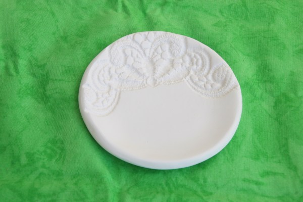 Lace imprint clay bowl plain white