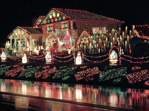 outdoor lit christmas decorations - Rainforest Islands Ferry - lighted christmas yard decorations