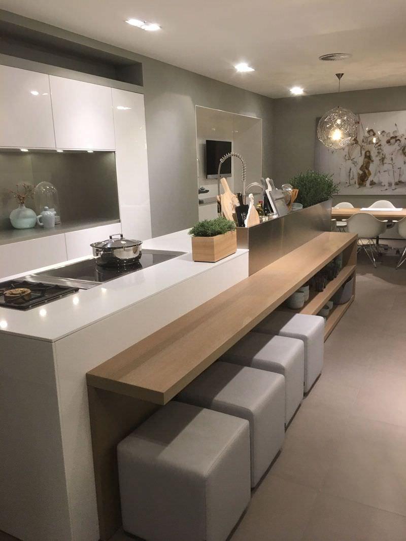 Cucina Moderna Con Isola E Tavolo | Cucina Moderna Con Cucina Aperta ...